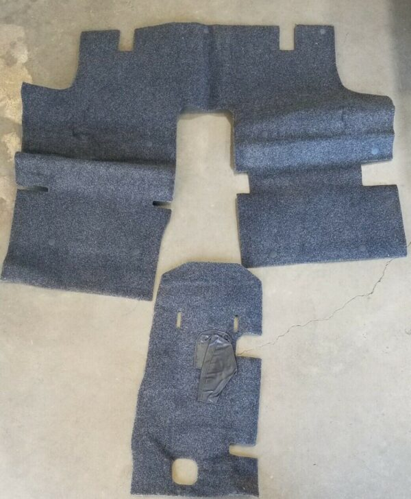 Suzuki Samurai Carpet Kit - Center Section